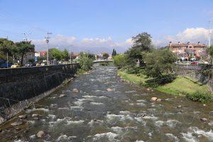 Cuenca – Altstadt, Fluss Tomebamba