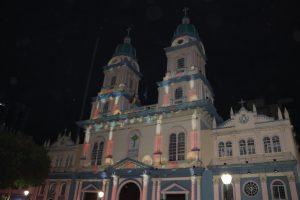 Guayaquil - Innenstadt bei Nacht, Lasershow
