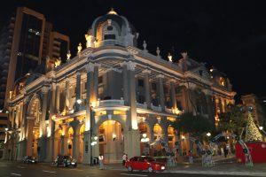 Guayaquil - Innenstadt bei Nacht