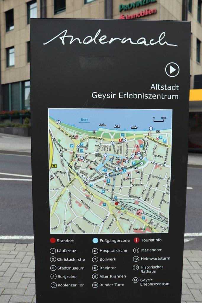 Innenstadt - Auf dem Weg zum Geysir Besucherzentrum